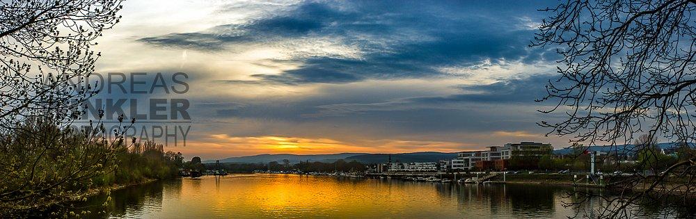 Pano12 - Sonnenuntergang am Schiersteiner Hafen